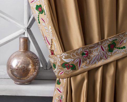 Комплект штор с вышивкой Шарлиз золотой