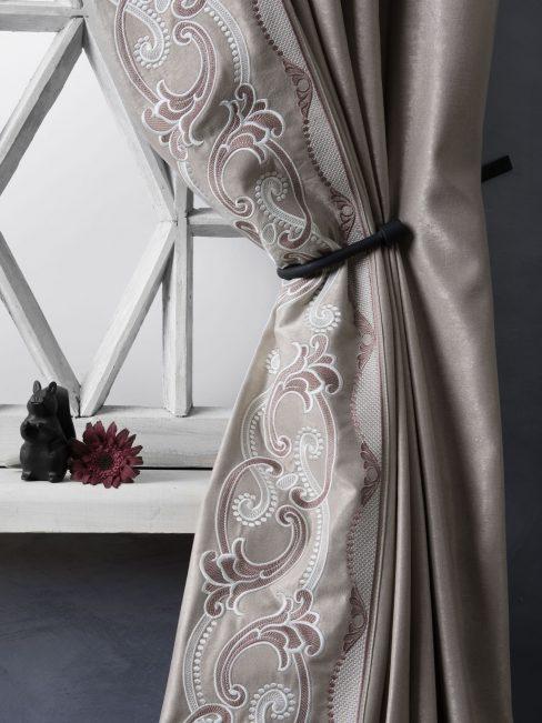 Комплект штор с вышивкой Валери капучино