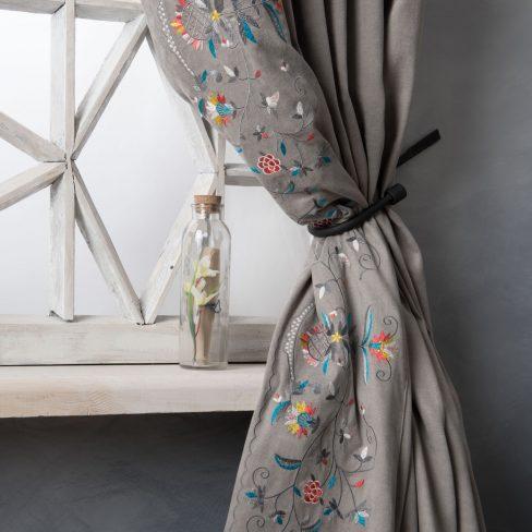 Комплект штор с вышивкой Лея серый
