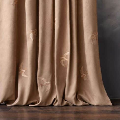 Комплект штор с вышивкой Либерти темно-бежевый