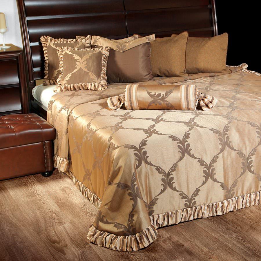 Покрывало на кровать Лувр (коричневый) желтое покрывало на кровать